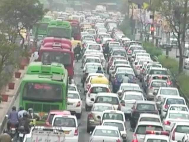 Video : 20,000 Weddings, Sri Sri Festival And A Nightmare On Delhi's Roads