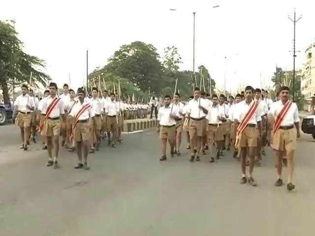 Video : RSS Uniform: The Long And The Shorts Of It.