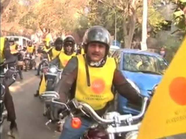 Video : Bikers Rally In Delhi To Spread Awareness About Cancer