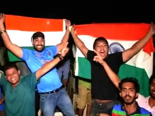 Videos : टी20 : भारत ने पाकिस्तान को हराया, देशभर में मना जश्न