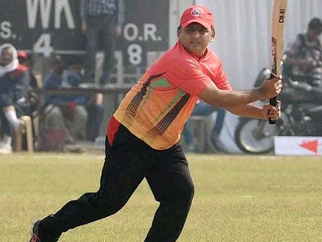 Videos : लखनऊ : IAS अधिकारियों की टीम को हरा CM अखिलेश यादव की टीम ने जीता मैच