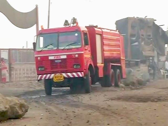 Videos : मुंबई के देवनार कचरा घर में फिर से भीषण आग