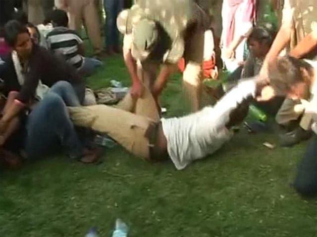 Video : Ahead of Kanhaiya's Visit, Hyderabad University Bars Entry Of Outsiders