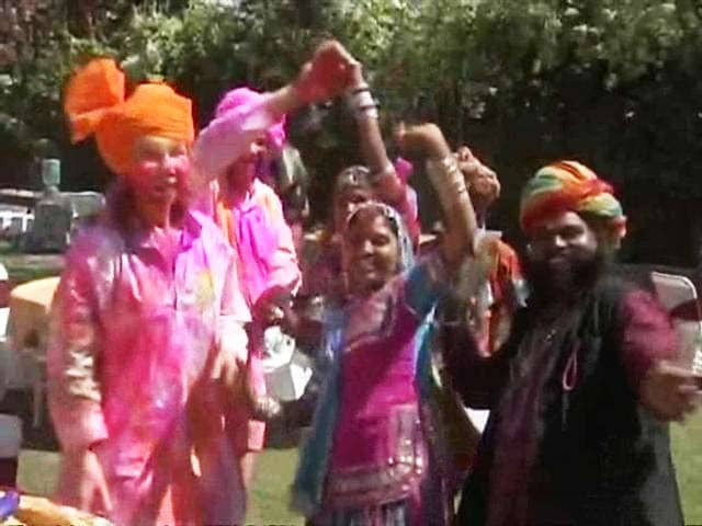 Video : The Many Traditions Of Holi In Jaipur
