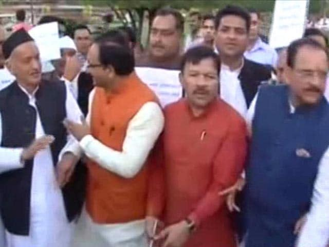 Video : President's Rule In Uttarakhand: Centre Justifies, Congress Cries Foul