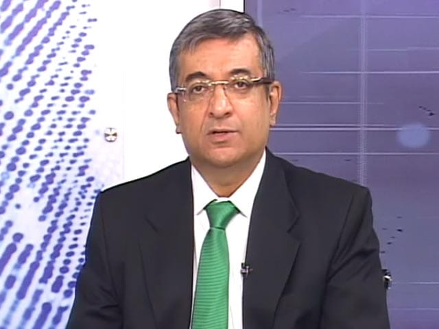 Video : Hemindra Hazari on Market Outlook