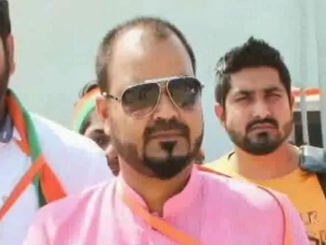 Videos : मुंबई : भाजयुमो के पूर्व अध्यक्ष पर महिला ने लगाया यौन उत्पीड़न का आरोप