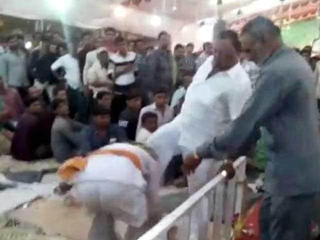 Video : Gujarat BJP Lawmaker 'Admits' To Kicking Man, Says It's Small Incident