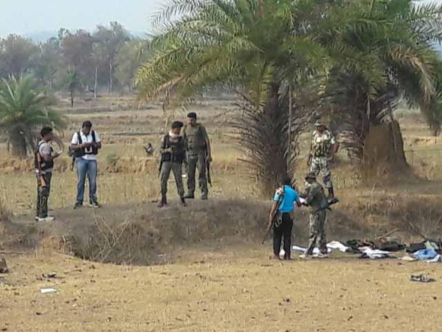 Videos : इंडिया 7 बजे : छत्तीसगढ़ के दंतेवाड़ा में नक्सली हमला, 7 जवान शहीद