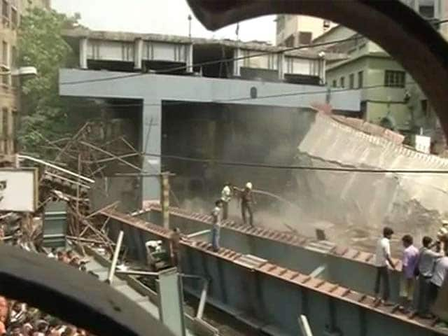 Video : 18 Dead In Kolkata Flyover Collapse, 'Act Of God', Says Builder