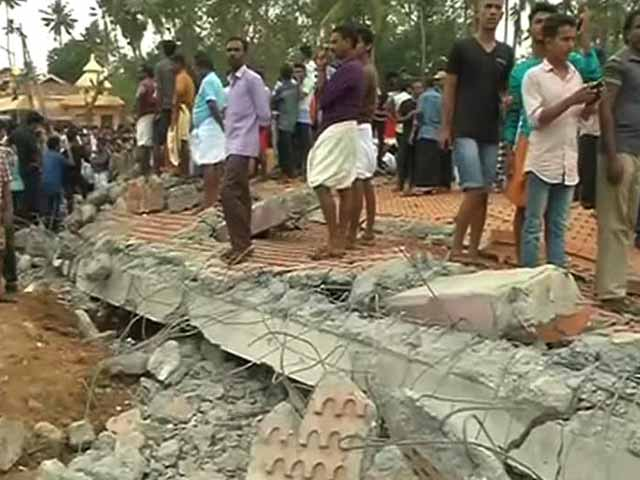 Video : 'My Friend Lost His Hand,' Says Eyewitness Of Kerala Temple Fire
