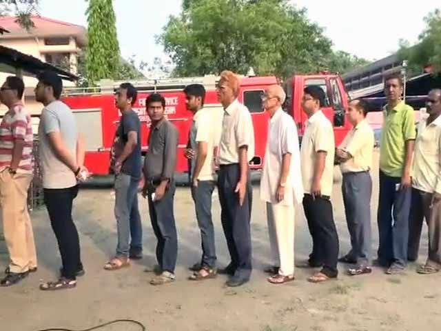 Videos : असम में 61 सीटों पर मतदान, लोगों में उत्साह