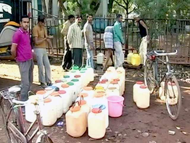 Video : लातूर को 3 दिन में मिलेगा ट्रेन से पानी, सूखाग्रस्त गांवों से पलायन बढ़ा