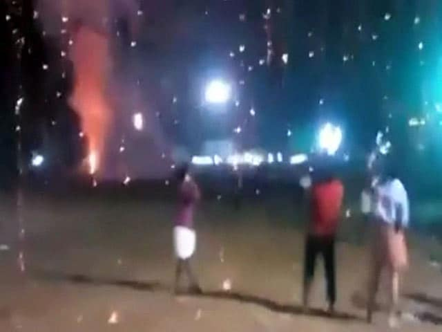 Video : Watch: The Huge Explosion When Kollam Temple Fire Began