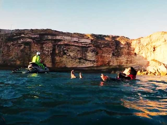 Video : It's Surfing Time For #GLAadventure