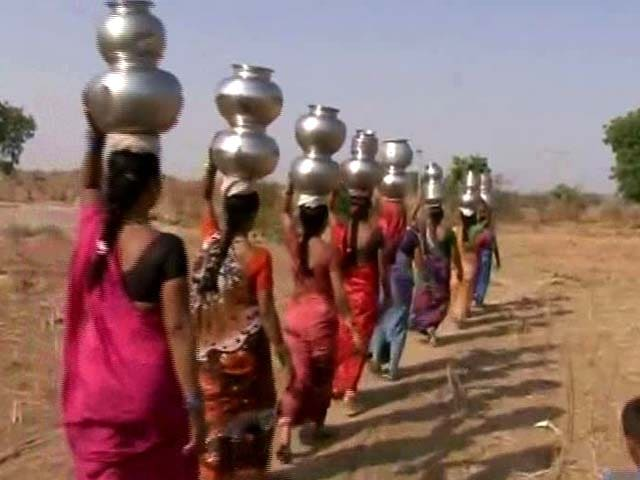 Video : Telangana's Drought Story In One Line: These Women, Walking Single-File