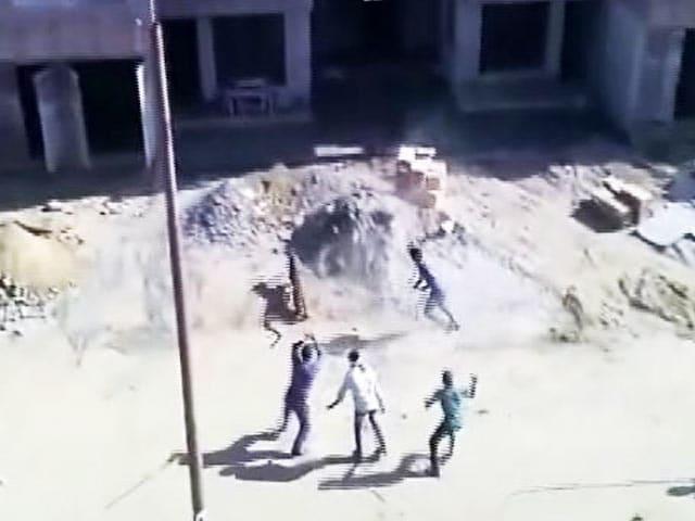 Video : मेरठ के छावनी इलाके में तेंदुए का आतंक