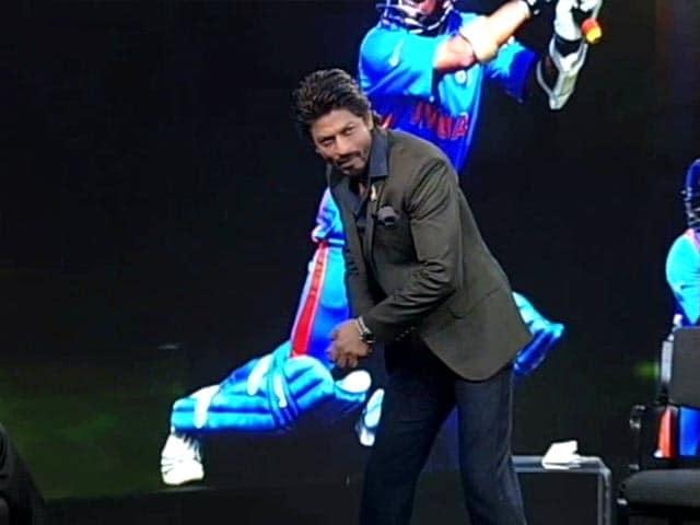 Video : SRK Bowls Over NDTV With Imitation of Sachin Tendulkar