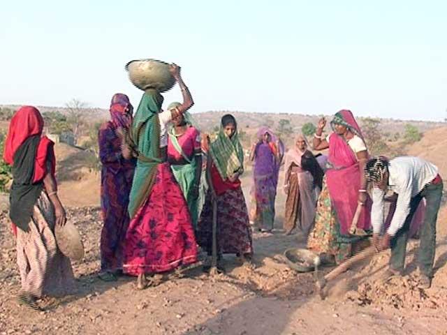 Video : NDTV की ग्राउंड रिपोर्ट : मनरेगा में बेगारी करते मज़दूर