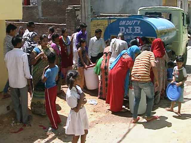 Videos : क्या दिल्ली में ही हर जगह आ रहा है पर्याप्त पानी?