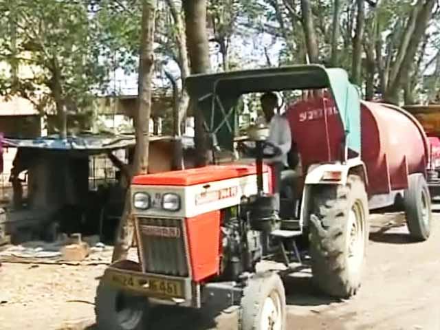 Videos : सूखे मराठवाड़ा में प्राइवेट टैंकरों की चांदी
