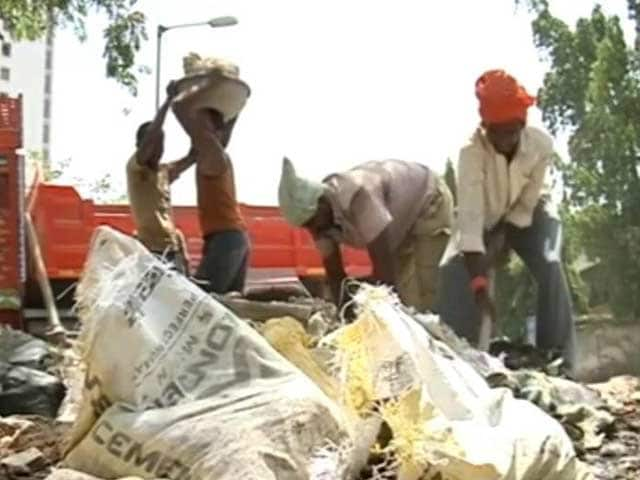 Video : Drought Turns Nanded's Farmers Into Labourers In Thane, Mumbai
