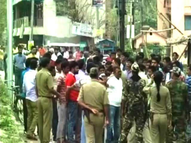 Videos : पश्चिम बंगाल में दूसरे दौर की वोटिंग के दौरान बीरभूम और मालदा में हिंसा