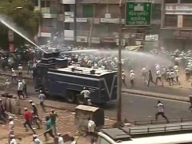 Video : इंडिया 9 बजे : मेहसाणा में हिंसा के बाद कर्फ्यू
