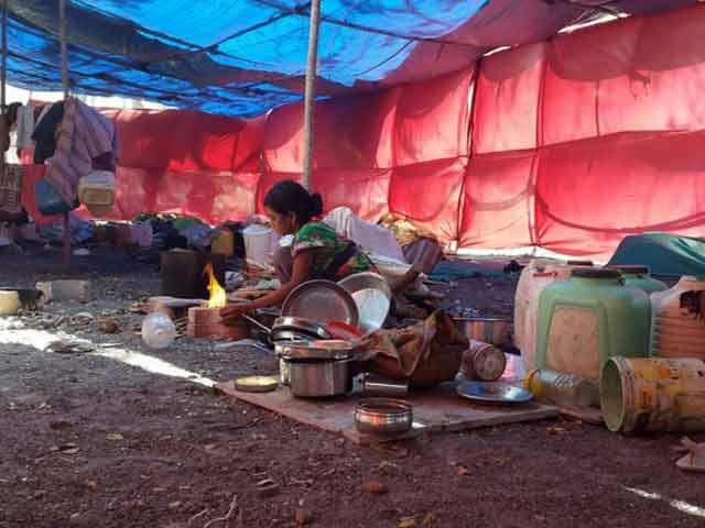Videos : महाराष्ट्र में सूखे के कारण गांव छोड़ने को मजबूर हैं लोग