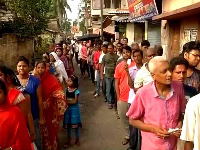 Videos : पश्चिम बंगाल विधानसभा चुनाव : 49 सीटों के लिए वोटिंग जारी