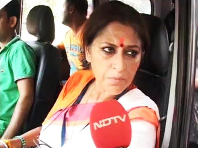 Video : हावड़ा : रुपा गांगुली और महिला वोटर में भिड़ंत