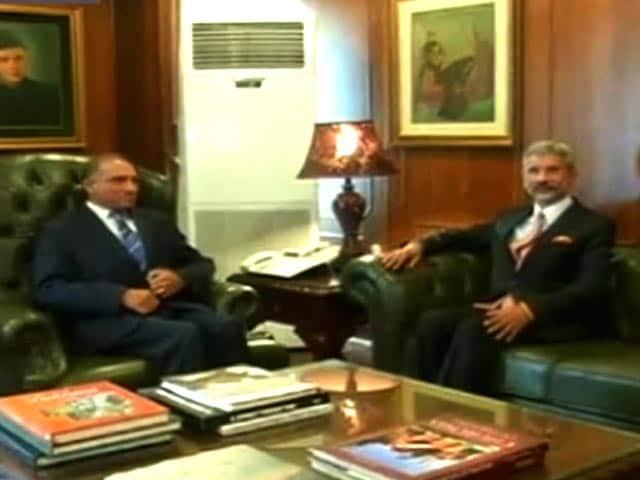 Videos : भारत-पाकिस्तान के विदेश सचिवों की बैठक