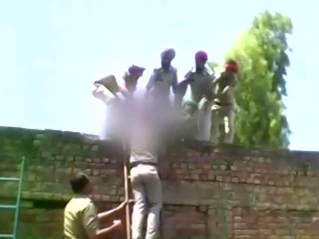 Video : Money-Lender at Door, Punjab Farmer and Mother Took Poison