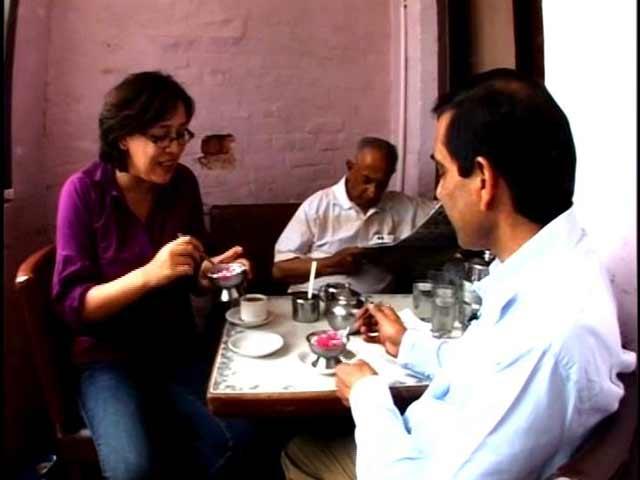 Video : Of Coffee, Ice Skating and Breakfast - Splendid Shimla