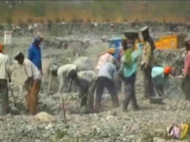 Video : Illegal Mining Provides BJP Ammunition Against Harish Rawat