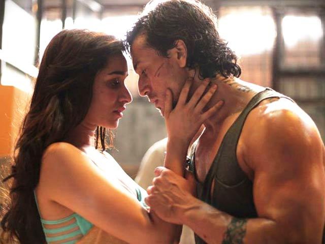 Videos : फिल्म समीक्षा : क्या दर्शकों को लुभा पाती है टाइगर और श्रद्धा की 'बागी'?