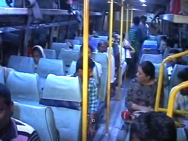 Video : On Buses, Trains To Bengaluru: Drought-Hit Farmers Turned Labourers