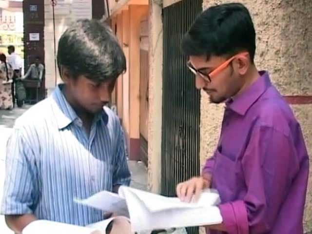 Videos : इंडिया 7 बजे : NEET पर सुप्रीम कोर्ट का सवाल