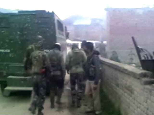 Video : 3 Terrorists Killed In Encounter In Pulwama In South Kashmir