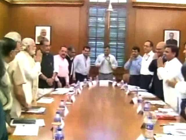 Video : Elections Ahead, PM Modi Meets Akhilesh Yadav Over Bundelkhand Drought