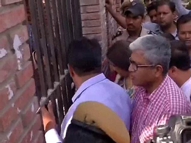 Video : To 'Check' PM Modi's Degree, AAP At Delhi University