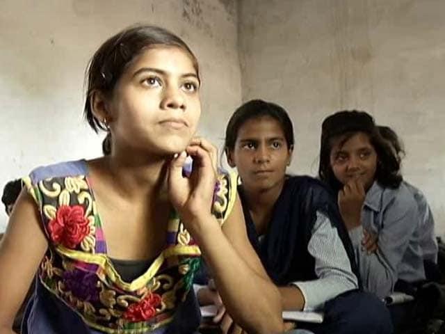 Kashmir Girl Photo Undress - Pics Porn-1181