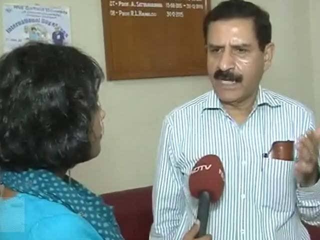 Video : एचआरडी मंत्रालय पर दखल देने के आरोप से पलटे इलाहाबाद यूनिवर्सिटी के वीसी