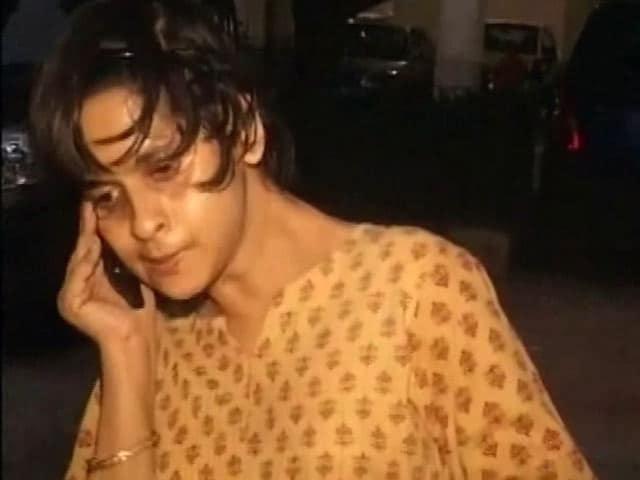 Videos : विकलांग लड़की को उतार दिया था प्लेन से, स्पाइसजेट को देना होगा 10 लाख रुपये हर्जाना