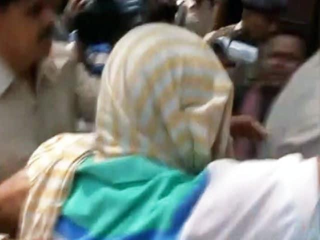 Videos : रॉकी यादव के चचेरे भाई टेनी यादव ने किया सरेंडर
