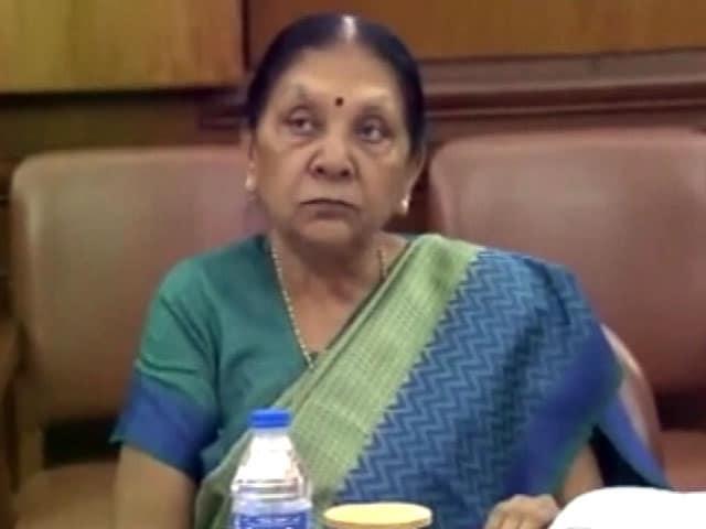 Video : पद से हटाई जाएंगी गुजरात की सीएम आनंदीबेन पटेल?