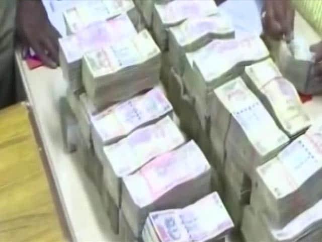 Videos : तमिलनाडु : जनता का मोल लगाते नेता