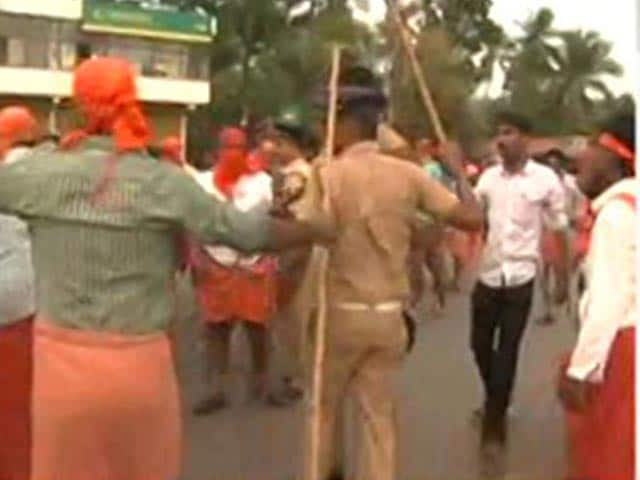 Video : 1 Dead As Country Bomb Thrown At Left Victory Rally In Kerala