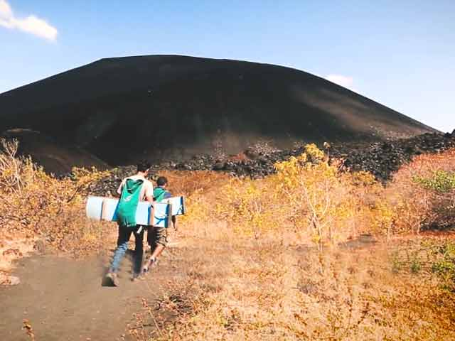 Video : An Adrenaline Junkie's Dream: Volcano Boarding At Cerro Negro