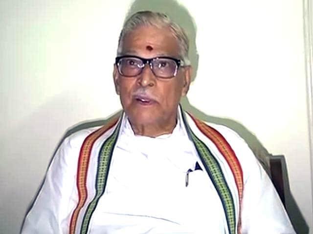 Video : पीएम मोदी को मुरली मनोहर जोशी ने दी जीत की बधाई